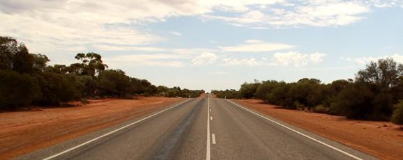 Une route (pas) si desertique